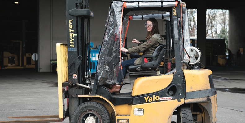 Shiley Students Work with Hyster-Yale